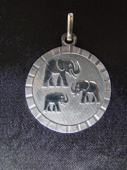 """Кулоны, подвески ручной работы. Ярмарка Мастеров - ручная работа. Купить Кулон """"Три слона"""" (семейное счастье). Handmade. Серебро"""