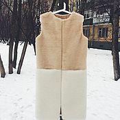 Одежда ручной работы. Ярмарка Мастеров - ручная работа SALE Комбинированный жилет из бежевого и молочного меха. Handmade.