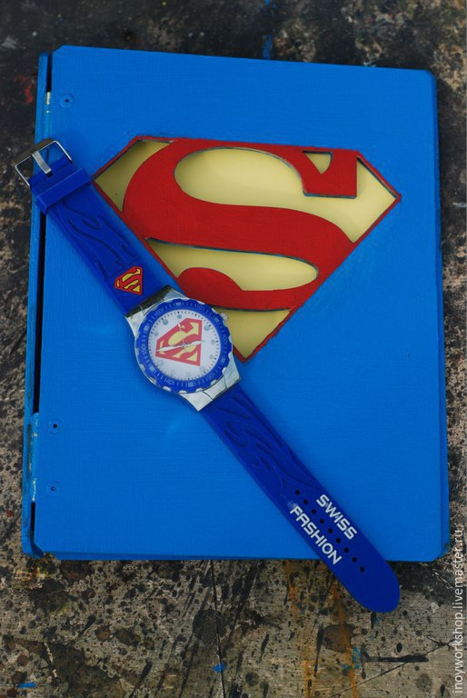 Тетрадь `супермен`, первому покупателю часы- в подарок!