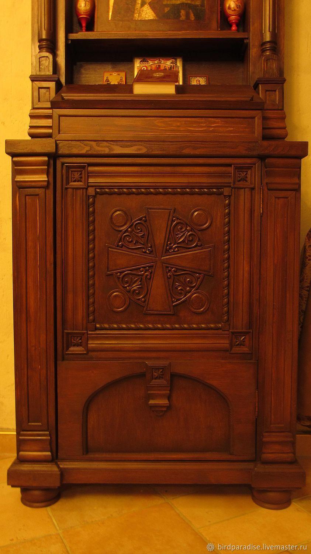 Киот напольный из дерева ручной работы с резьбой. Мебель для дома и храма.