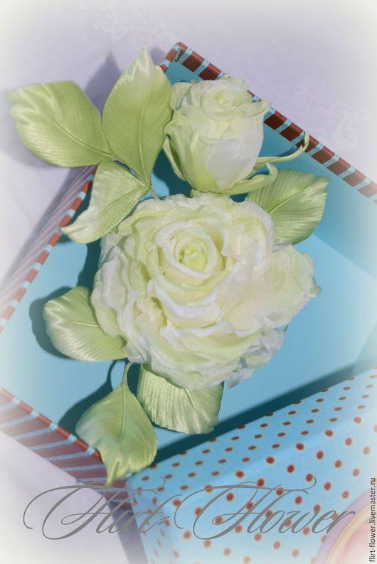 Брошь роза из шелка. Роза цвета лайм. Украшение роза из ткани. Корсажный цветок из шелка. Свадебное украшение роза из шелка. Текстильная роза ручной работы. Роза ручной работы. Ярмарка Мастеров