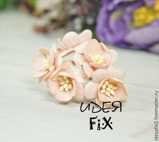 Диаметр цветка около 25 мм. Длина проволочного стебелька 5,5 см.  Цена указана за 5 шт.