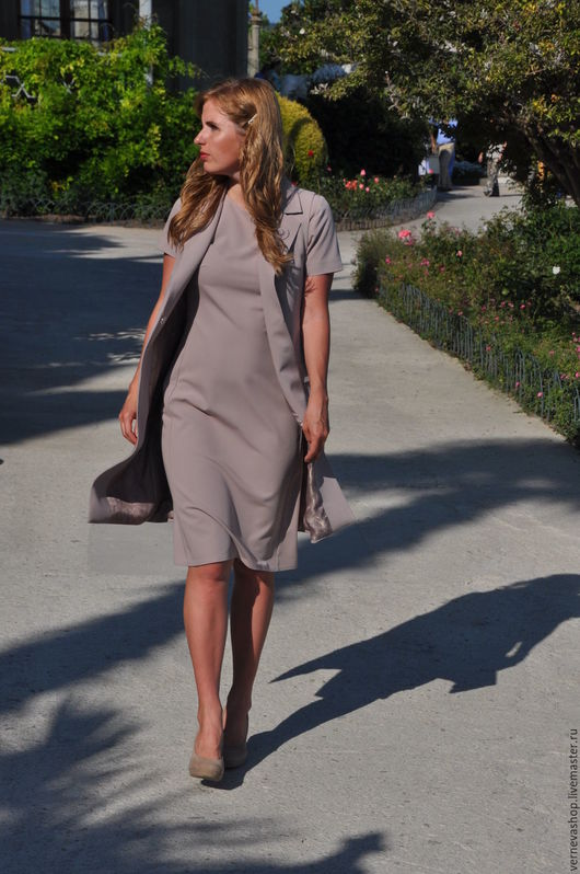 Платья ручной работы. Ярмарка Мастеров - ручная работа. Купить Платье деловое «Нюд». Handmade. Однотонный, платье на заказ