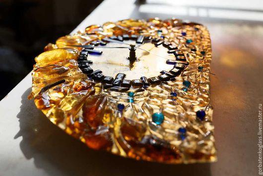 """Подарки для мужчин, ручной работы. Ярмарка Мастеров - ручная работа. Купить Часы """"Луна"""". Handmade. Золотой, дизайн, стекло"""
