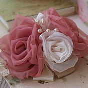 Украшения ручной работы. Ярмарка Мастеров - ручная работа Цветы из ткани. Брошь-заколка, шебби шик, винтаж, розы. Handmade.