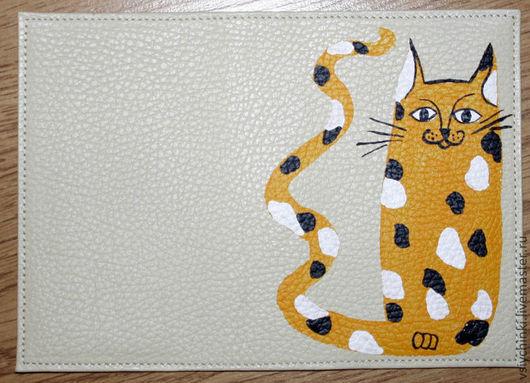 Обложки ручной работы. Ярмарка Мастеров - ручная работа. Купить Обложка Солнечный котик. Handmade. Бежевый, натуральная кожа