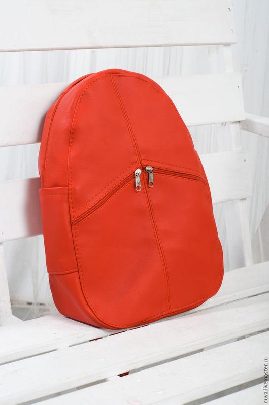 Рюкзаки ручной работы. Ярмарка Мастеров - ручная работа. Купить Красный матовый рюкзак с карманами. Handmade. Ярко-красный