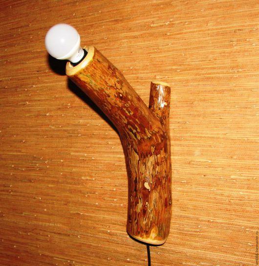 """Освещение ручной работы. Ярмарка Мастеров - ручная работа. Купить Настенный светильник """"Сучок"""" из цельной сосновой ветки. Handmade. кантри"""