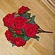 Куст Розы бархатной, бордовой. 8 больших цветка и 1 бутона. h-53см. Красиво смотрится в вазе. Можно комбинировать с мелкими соцветиями. Также подойдет для оформления помещений на праздники и торжеств