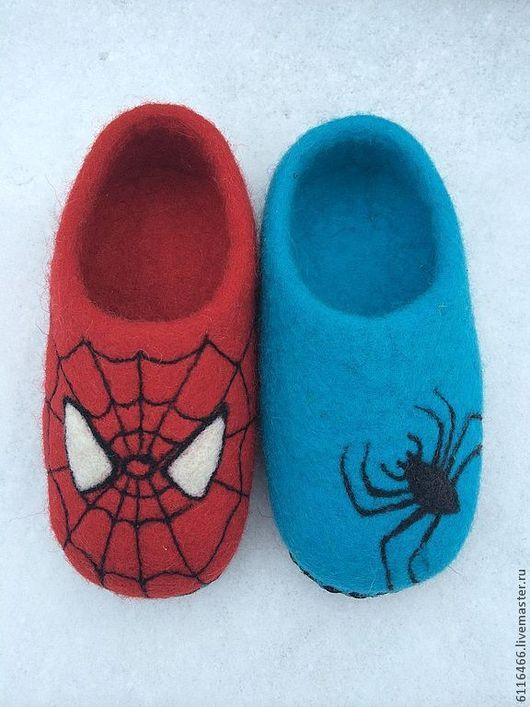 """Обувь ручной работы. Ярмарка Мастеров - ручная работа. Купить домашние валяные тапочки из натуральной шерсти """"Тапки Человека Паука"""". Handmade."""