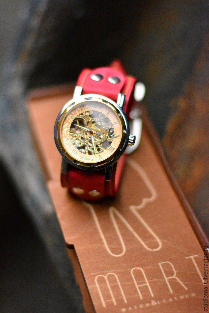 Часы с прозрачным циферблатом