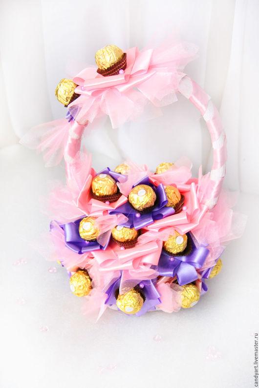"""Букеты ручной работы. Ярмарка Мастеров - ручная работа. Купить Сладкий букет из конфет """"8 марта"""". Handmade. Розовый"""