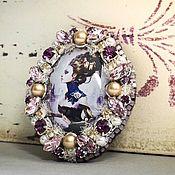 """Украшения ручной работы. Ярмарка Мастеров - ручная работа Брошь-орден """"Кибер-женщина"""" (брошь, орден,девушка,киборг, фиолетовый). Handmade."""