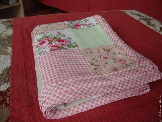 Пледы и одеяла ручной работы. Ярмарка Мастеров - ручная работа. Купить Детское лоскутное одеяло. Handmade. Розовый, хлопок 100%