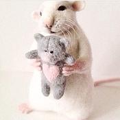 """Куклы и игрушки ручной работы. Ярмарка Мастеров - ручная работа Авторская игрушка """"Влюбленный Крыс"""". Handmade."""