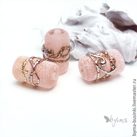 Бусины лэмпворк содовые с серебром розовые цилиндры купить