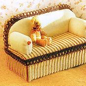 Куклы и игрушки ручной работы. Ярмарка Мастеров - ручная работа Мишуткин мини-диванчик. Handmade.