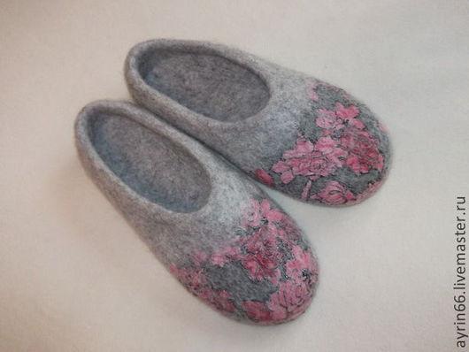 """Обувь ручной работы. Ярмарка Мастеров - ручная работа. Купить Тапочки """"Хлоя"""". Handmade. Серый, тапочки женские, Валяние"""