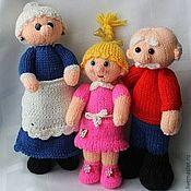 Куклы и игрушки ручной работы. Ярмарка Мастеров - ручная работа Вязаные игрушки Бабушка, Дедушка и внучка Машенька. Handmade.