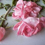 """Картины и панно ручной работы. Ярмарка Мастеров - ручная работа Картина вышитая лентами """"Веточка розы"""". Handmade."""