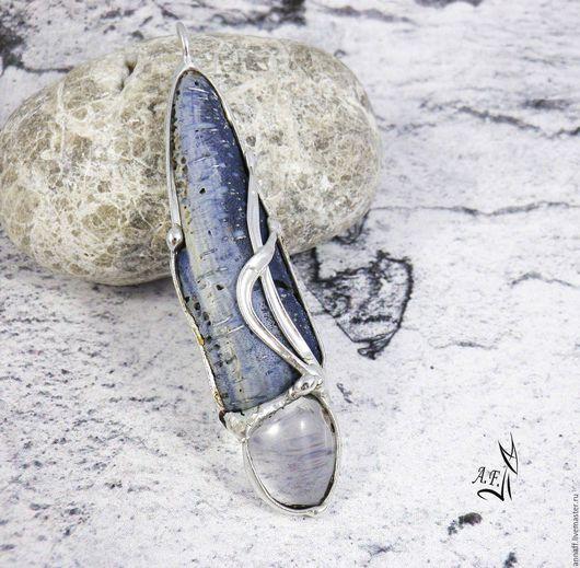 """Кулоны, подвески ручной работы. Ярмарка Мастеров - ручная работа. Купить """"Путешествие на север"""" кулон с голубым кораллом и кварцем. Handmade."""