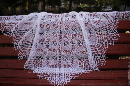 """Шали, палантины ручной работы. Ярмарка Мастеров - ручная работа. Купить Ажурная шаль """"Леди Скромность"""". Handmade. Белый, легкая"""