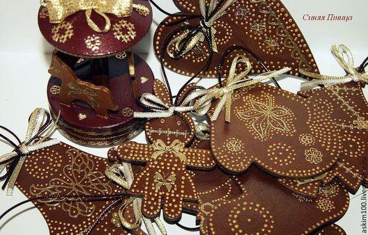 """Элементы интерьера ручной работы. Ярмарка Мастеров - ручная работа. Купить """"Шоколадный Новый Год"""" набор елочных деревянных украшений. Handmade."""