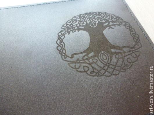 Обложка для паспорта Дерево кельтов. Подарок на 23 февраля