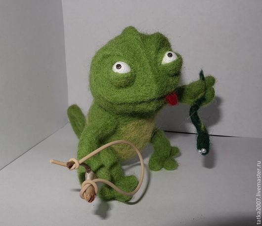 """Игрушки животные, ручной работы. Ярмарка Мастеров - ручная работа. Купить Валяная игрушка """" Охотник"""". Handmade. Валяная игрушка"""