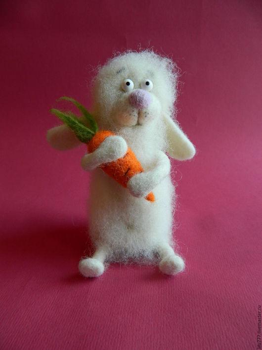 Игрушки животные, ручной работы. Ярмарка Мастеров - ручная работа. Купить Зайчик с морковкой валяный. Handmade. Белый, пластика