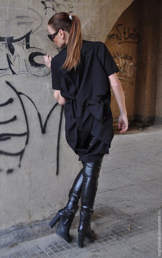 Черная блузка. Блузка с короткими рукавами. Блузка модная.