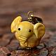 Кулон стекло, лэмпворк, слон, бежевый, песочный, карамельный, нецке, нэцке, на удачу. Подарок другу, подруге, коллекционеру, девушке, юноше, женщине, мужчине, любимым