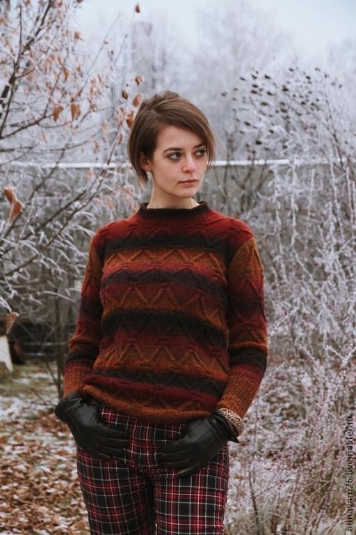 Бордовый женский свитер доставка