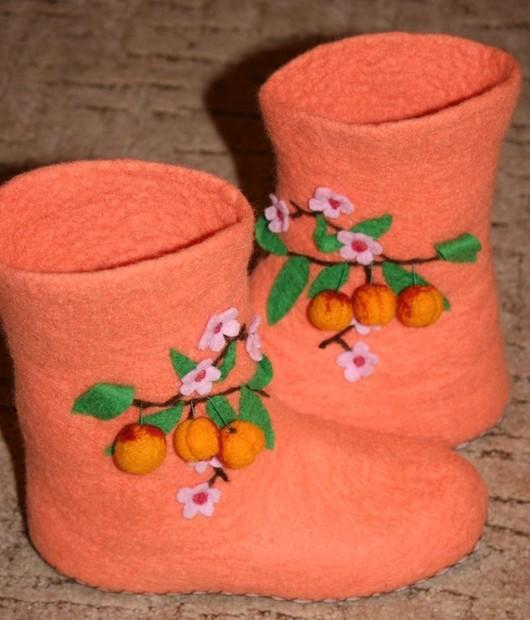 """Обувь ручной работы. Ярмарка Мастеров - ручная работа. Купить Домашние тапочки """"Ветка персика"""". Handmade. Тапочки, ветка персика"""