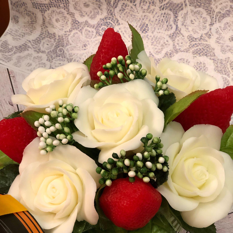 Букет из мыла Розы и клубника, Мыло, Москва, Фото №1