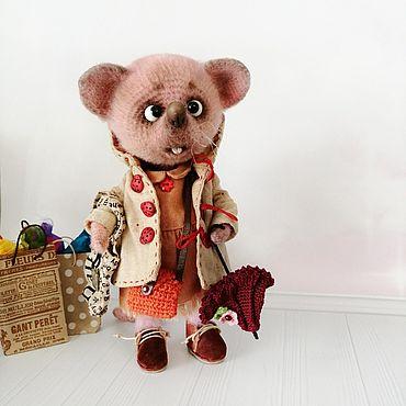 Миниатюрные игрушки: Мышка шопоголик. Коллекционная, интерьерная.