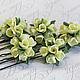 Шпильки для волос с миниатюрными букетиками цветов. Цена 400р за шт.