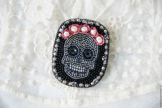Броши ручной работы. Ярмарка Мастеров - ручная работа. Купить Брошь череп Розы брошь из бисера цветы 'Sugar Skull'. Handmade.