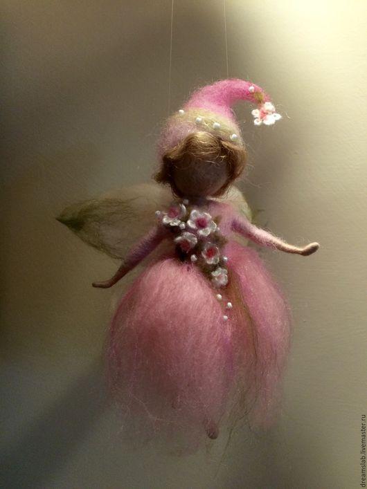 """Коллекционные куклы ручной работы. Ярмарка Мастеров - ручная работа. Купить Валяние """"Розовая Фея цветов"""". Handmade. Розовый, фелтинг"""