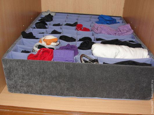 Универсальный органайзер выполнен под размер полки в шкафу