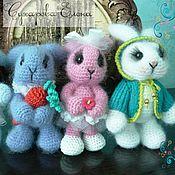 Куклы и игрушки ручной работы. Ярмарка Мастеров - ручная работа Зайчики амигуруми. Handmade.