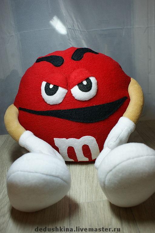 Сказочные персонажи ручной работы. Ярмарка Мастеров - ручная работа. Купить Красный m&m's. Handmade. Конфеты, мультяшка