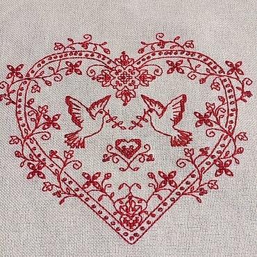 Подарки к праздникам ручной работы. Ярмарка Мастеров - ручная работа Вышивка Оберег Сердце с голубями. Handmade.