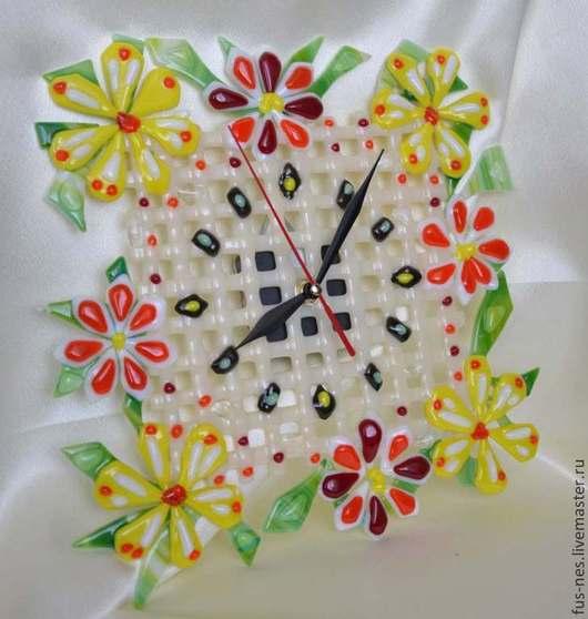 Часы для дома ручной работы. Ярмарка Мастеров - ручная работа. Купить Часы с цветочным орнаментом Фьюзинг. Handmade. Желтый, красный