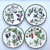 Посуда handmade. Livemaster - original item Painted porcelain Plates on the wall Berry. Handmade.