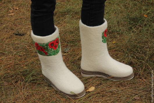 """Обувь ручной работы. Ярмарка Мастеров - ручная работа. Купить Валенки """"Белые, белые... с маками"""". Handmade. Белый, валенки на подошве"""