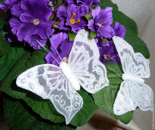 Крупные  декоративные бабочки с бусинами и глиттером ( блестками).Свадебный декор. Палочка-выручалочка.