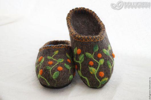 """Обувь ручной работы. Ярмарка Мастеров - ручная работа. Купить Валяные тапочки-шлёпки """"Вьюнок"""". Handmade. Темно-серый"""