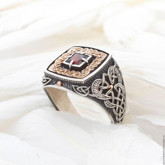 """Украшения для мужчин, ручной работы. Ярмарка Мастеров - ручная работа. Купить Серебряный перстень """"Дар Волхвов"""" с золотой накладкой для мужчин. Handmade."""