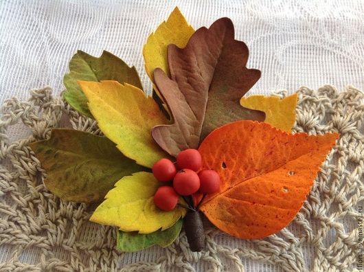 """Броши ручной работы. Ярмарка Мастеров - ручная работа. Купить Брошь из фома """"Осенний романс"""". Handmade. Осень, Рябина, клен"""
